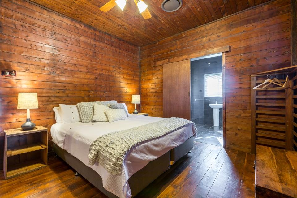 Broke Estate Cottage Bedroom 1