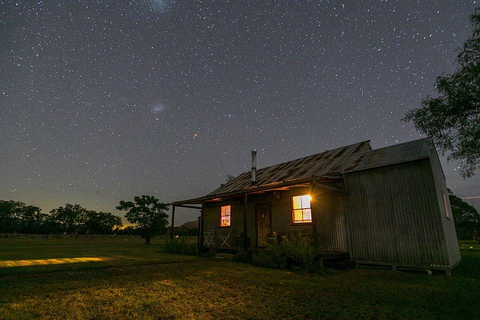 Broke Estate Blaxlands Cottage Night